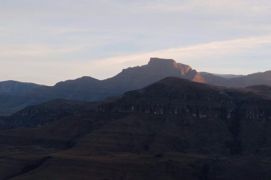 uKhahlamba-Drakensberg Park, Afrika Selatan: Views of the Drakensberg