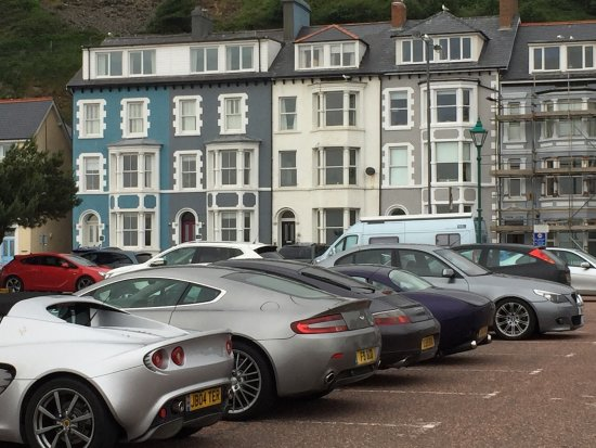 Aberdovey, UK: Amazing views and great contemporary room, enjoyed our stay