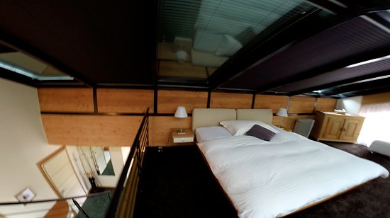 Coeur des Alpes: Upstairs spare bedroom.