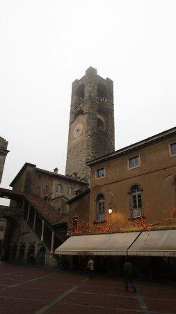 Palazzo del Podesta: Exterior