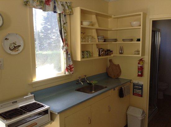 Possum Lodge : Motel unit kitchen