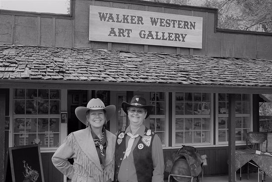 Walker, CA: Pony Express Riders made a visit to the gallery in May.