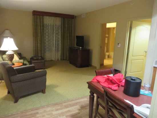 Homewood Suites Hagerstown : living room of our suite