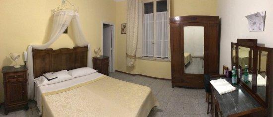 Hotel Tre Donzelle: La stanza