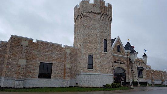 Kenosha, WI: The Cheese Castle