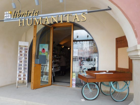‪Humanitas Bookstore‬