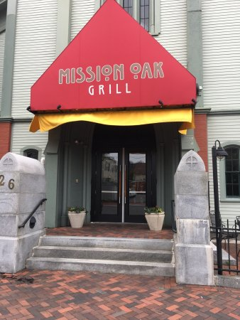 A wonderful dinner at the Mission Oak Grill!