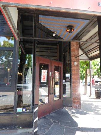 Beer Kitchen : Entrance