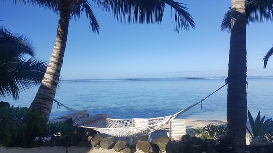 Cooks Bay Villas: A hammock to relax away