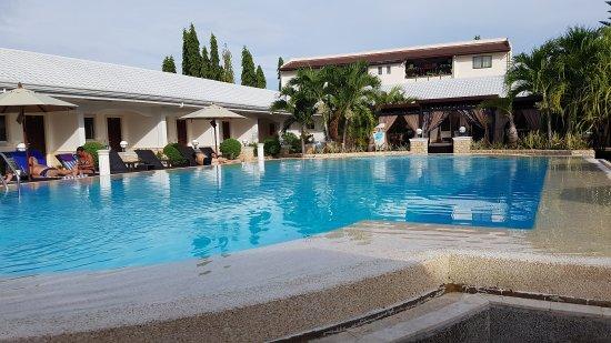 Panglao Regents Park Resort: 20170605_160838_large.jpg
