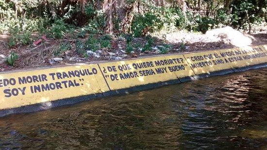 Una de las acequias que se nutre de las aguas del Río Aracataca y baña al pueblo.