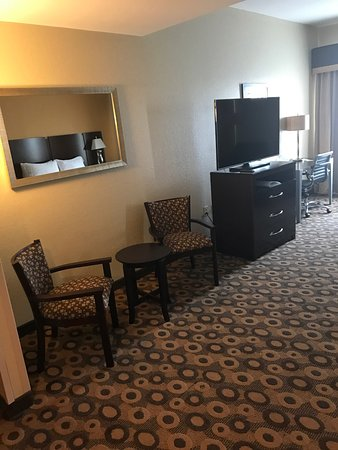 Holiday Inn Southaven - Central: This was an amazing trip. The rooms are very clean and creative. The hotel look new from the fro