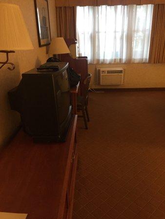 Camarillo Executive Inn & Suites: photo0.jpg