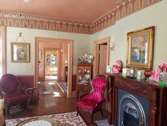 Lanesboro, MN: Living room