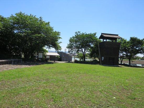 伊奈城趾公園