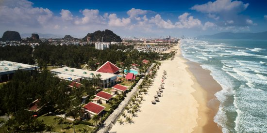 Centara Sandy Beach Resort Danang Photo