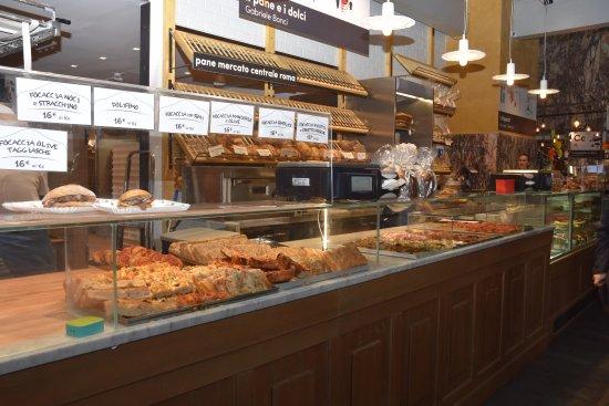 Il mercato centrale di roma il pane e i dolci picture for Dolci tipici di roma