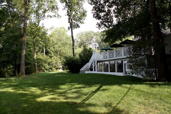 Basking Ridge, NJ: Grain House Deck