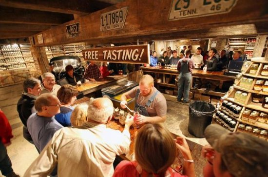 Day Tour: Moonshine and Wine Tasting...