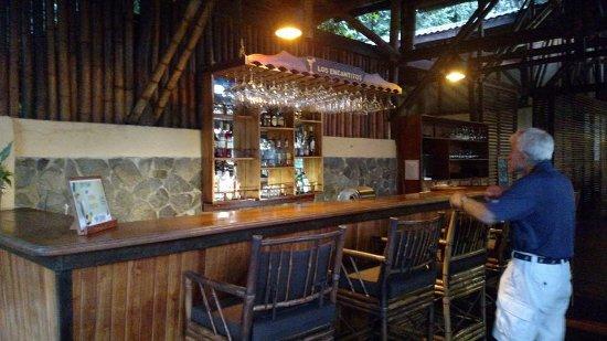 El Remanso Lodge: The Bar