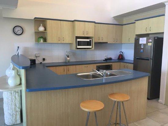 Peregian Beach, Австралия: Standard Kitchen