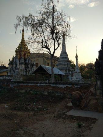 Monywa, Myanmar: Mauale Pagoda