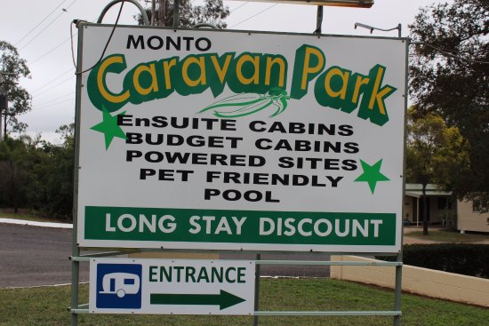 Monto, Australia: Their sign out front