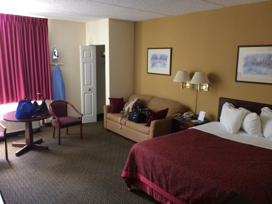 Days Inn by Wyndham Chambersburg: photo5.jpg
