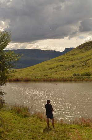 Bergville, Sydafrika: Fishing - one of the many activities on the property!