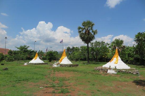 Sangkhla Buri, Thailand: จุดพรมแดน ไทย-พม่า ด่านเจดีย์ 3องค์ ครับ