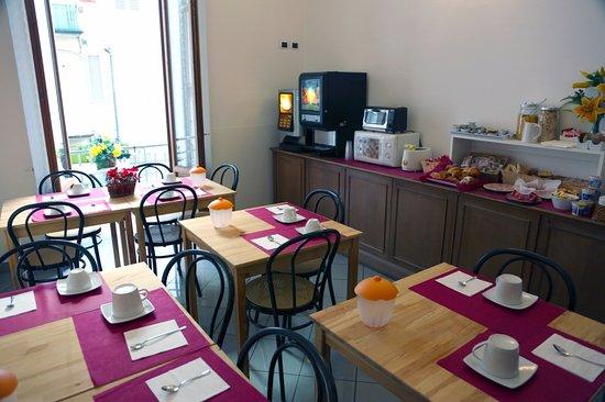 La Notte Blu: Breakfast room.  Sala colazione.