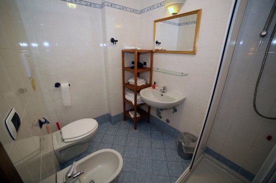 La Notte Blu: Bathroom. Bagno.