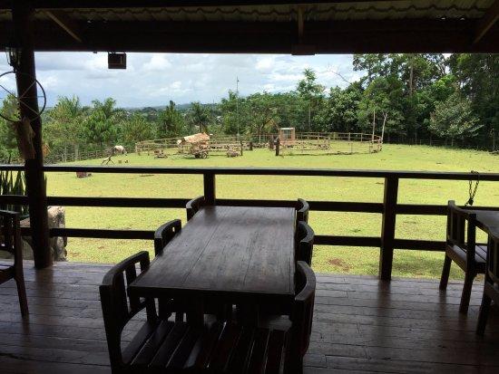 Malaybalay City, Filipiny: Veranda seating