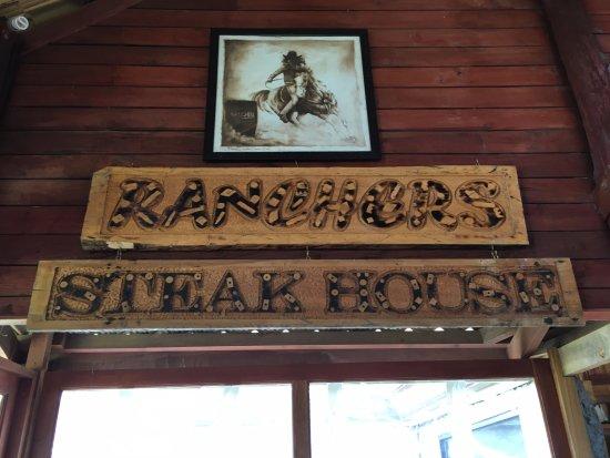 Malaybalay City, Filipina: Signage inside