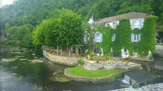 Montmoreau-Saint-Cybard, France: 20170531_200333_large.jpg