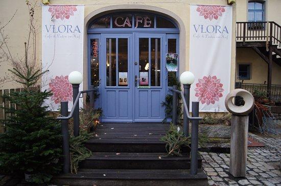 Eingangstür eingangstür picture of vlora cafe laden im hof wittenberg