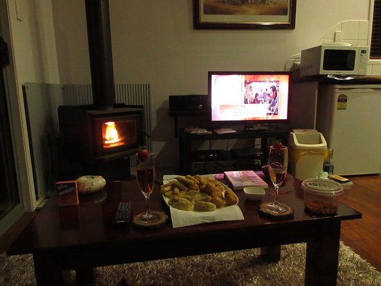 Hunchy Hideaway: Romantic dinner for 2 with a borrowed dvd and fire