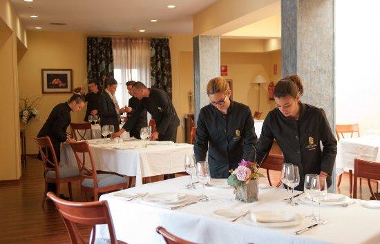 "Archidona, Испания: Restaurante ""La Espadaña"" Aula de Prácticas Curso Jefe/a de Sala"