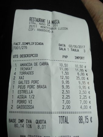 Montferrer, إسبانيا: Que estafa!!! 1,50€ por rebanada de pan!!!