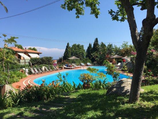 Hotel Cernia: Piscina