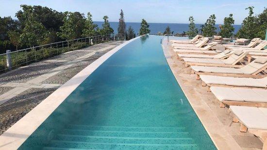 Opolzneve: Отдельный небольшой бассейн с морской водой. Подогреваемый, температура 26-28