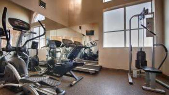 BEST WESTERN PLUS Lubbock Windsor Inn & Suites: Work out in our 24 hour fitness center.