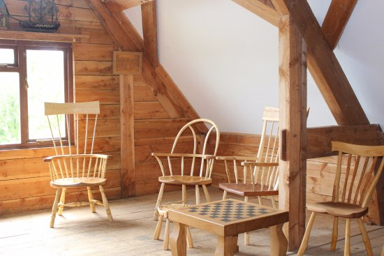Wootton Fitzpaine, UK: Fivepenny Chairs Gallery