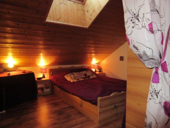Dullin, Francia: Chambre, espace parental.
