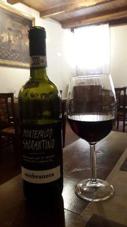 Vino - Picture of Ristoro del Cavaliere, San Gemini - TripAdvisor