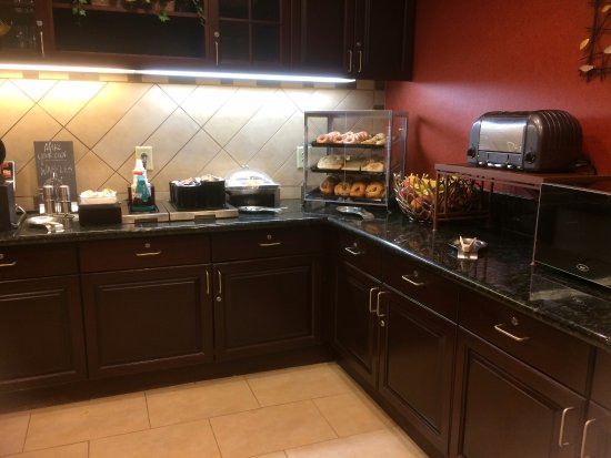 Homewood Suites by Hilton Macon - North: Breakfast with make -your-own waffles