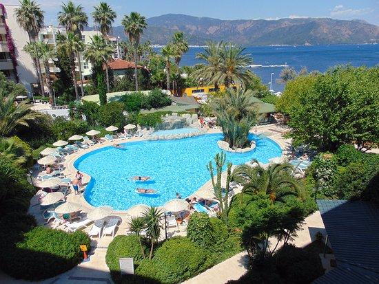 Tropikal Hotel Photo
