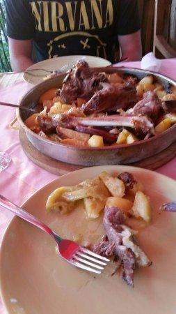 Rovanjska, Croatia: PEKA mit Lamm