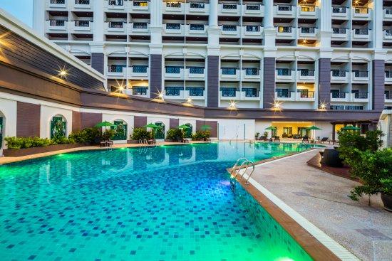 โรงแรม แกรนด์ พาลาซโซ่