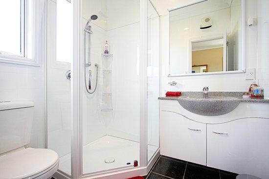 Austin Heights Scenic Bed & Breakfast: Ensuite Bathroom